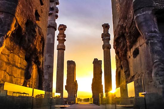 آثار تاریخی و طبیعی ایران