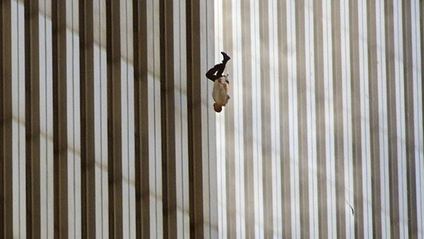 حادثه 11 سپتامبر سقوط مرد