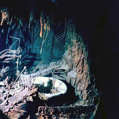داخل کشتی غرق شده تایتانیک