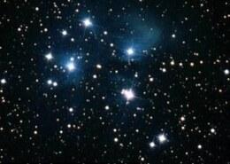 چرا وقتی به آسمان نگاه می کنیم ستاره ها چشمک می زنند؟