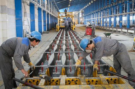 کارگران کارخانه