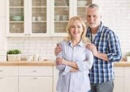 زنان بیشتر عمر می کنند یا مردان؟