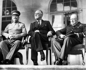 استالین- چرچیل- رزولت در سال 1943 در تهران !! (تهران چکار میکردن؟؟)